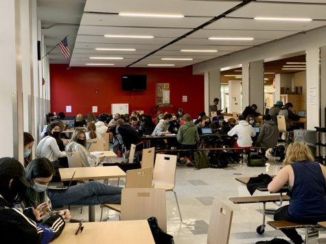 Students are forced into the commons area when their teacher is absent and a substitute is not able to fill in for them. Photo Courtesy of Wilson Freer